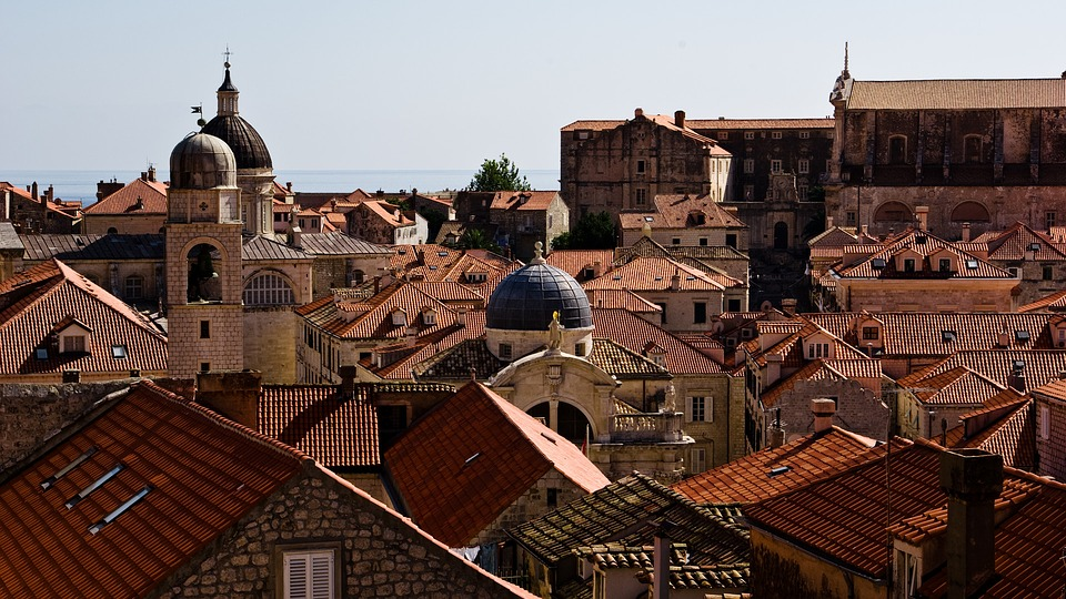 roofs-1195795_960_720